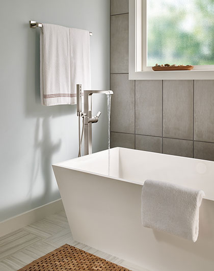 Delta Ara Collection Stainless Steel Finish Modern Freestanding Tub Filler Faucet Water