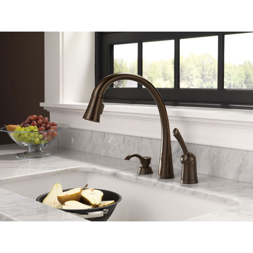 Delta Venetian Bronze Finish Pilar Collection Single Handle Pull Down Kitchen Faucet with Touch2O Technology and Soap Dispenser Package D032CR