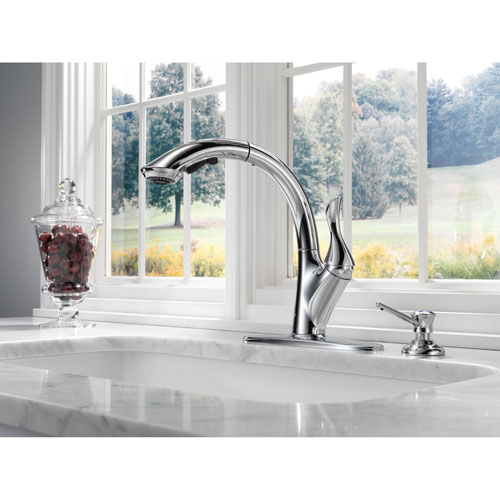 Delta Linden Collection Chrome Finish Single Handle Water Efficient Pull Out Kitchen Sink Faucet and Soap Dispenser Package D060CR